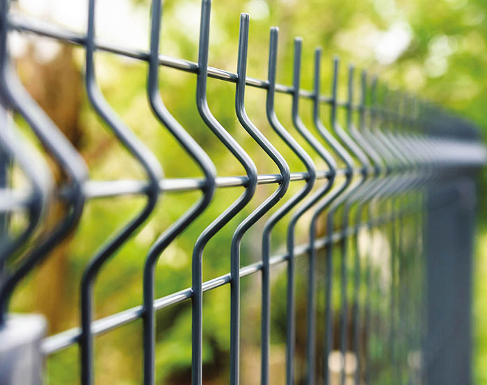 welded mesh fence with 30mm barbs