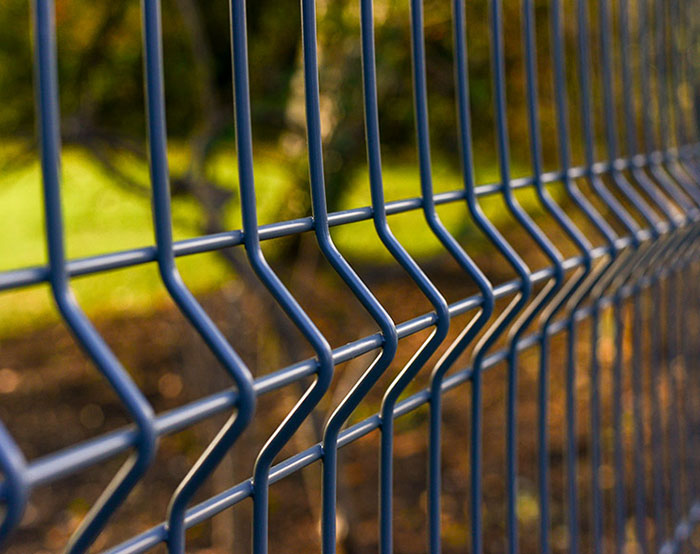 100mm curves welded mesh fence