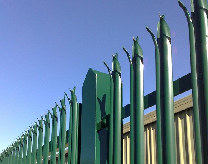 Powder coating palisade fence