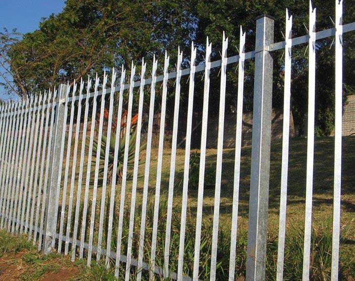 2.4m Galvanized palisade fence