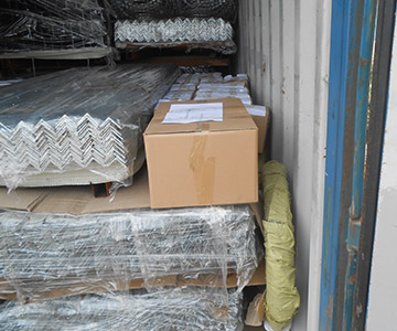 Angle rails packing