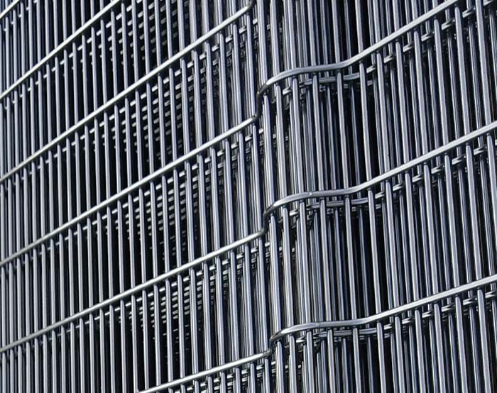 Black powder coating high secuity fence