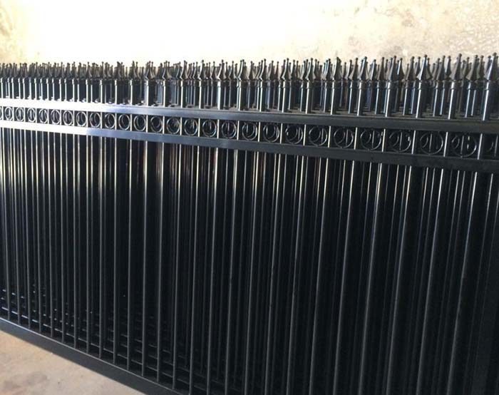 Welded type 3 rails picket welded